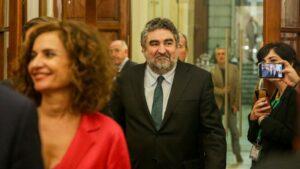 El ministro de Cultura y Deporte, José Manuel Rodríguez Uribes, abandona la sesión Plenaria en el Congreso