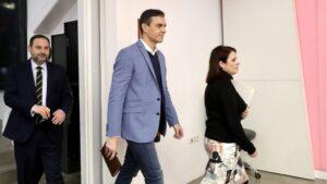 Pedro Sánchez, José Luis Ábalos y Adriana Lastra