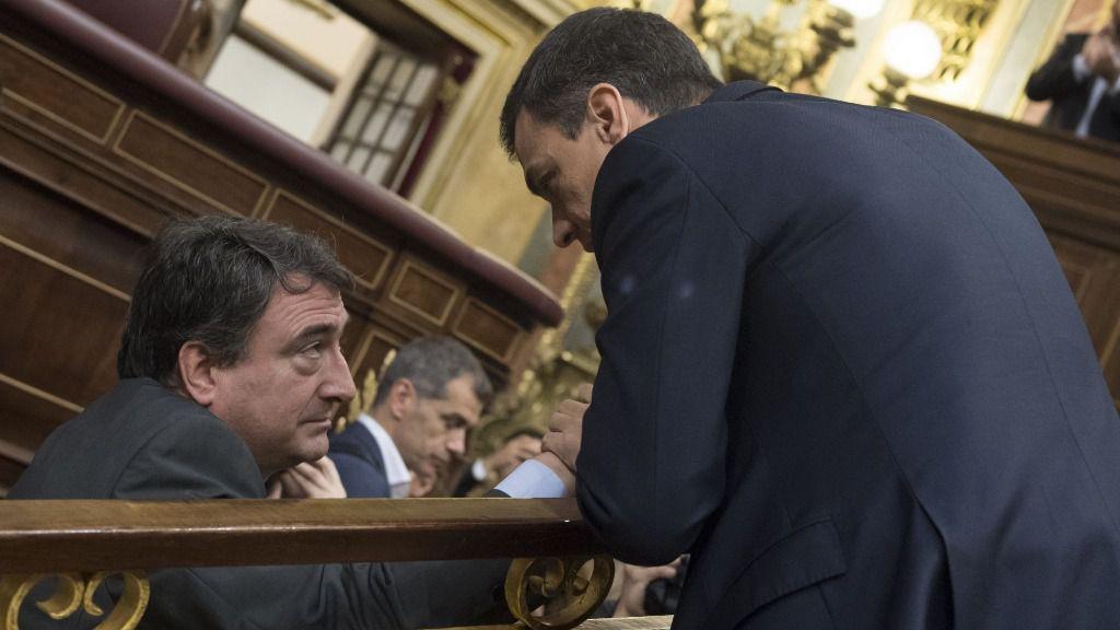 Pedro Sanchez y Aitor Esteban