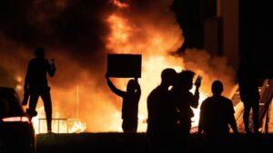 Disturbios en Minneápolis por la muerte de George Floyd, un hombre negro, a manos de la Policía