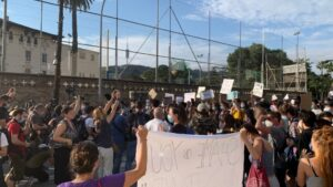 Concentración ante el Consultado de Estados Unidos en Barcelona por la muerte del afroamericano George Floyd