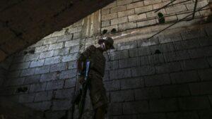 Un combatiente leal al Gobierno de Unidad Nacional libio en Trípoli