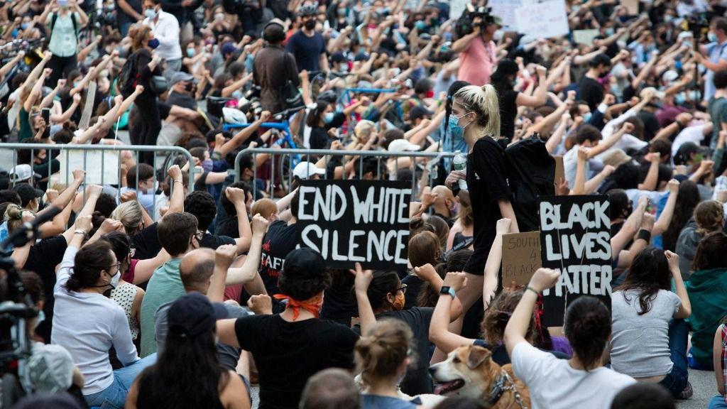 Manifestación por la muerte de George Floyd en Nueva York, Estados Unidos