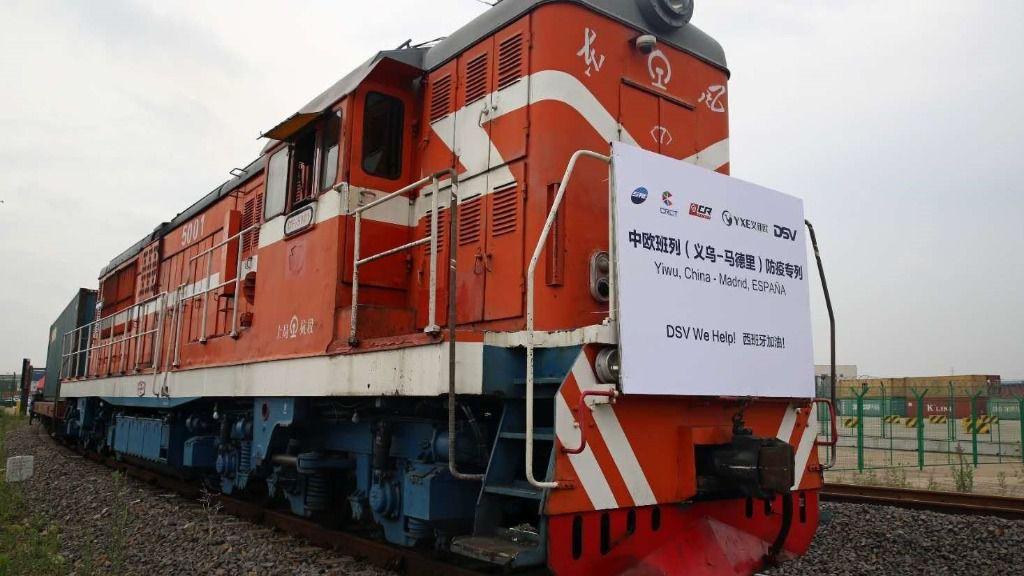 Sale desde China el primer tren con material sanitario