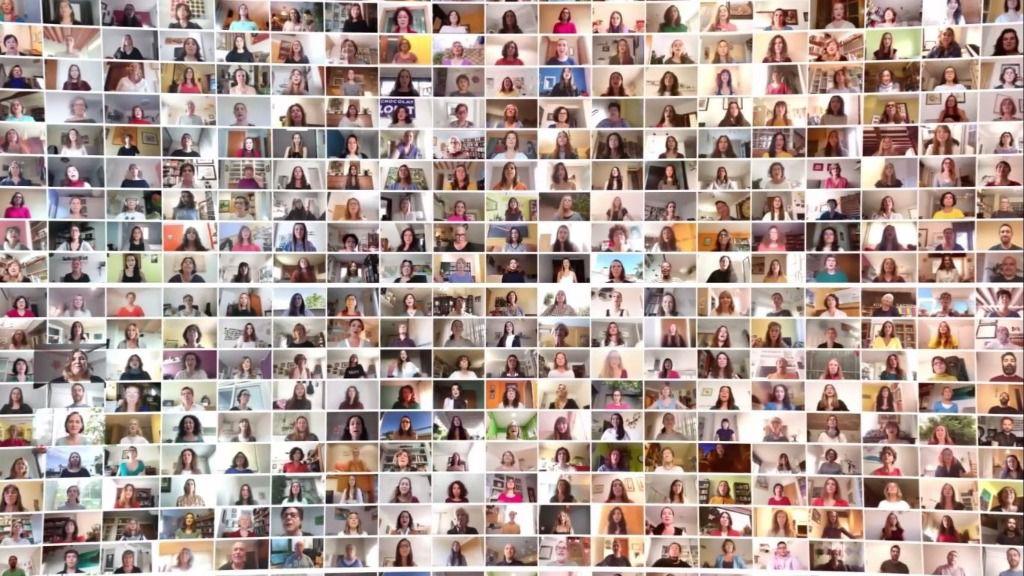 Unas 640 cantan 'Viva la Vida' de Coldplay en un vídeo coral de la Fundació La Caixa