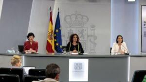 María Jesús Montero, Isabel Celaá y Reyes Maroto