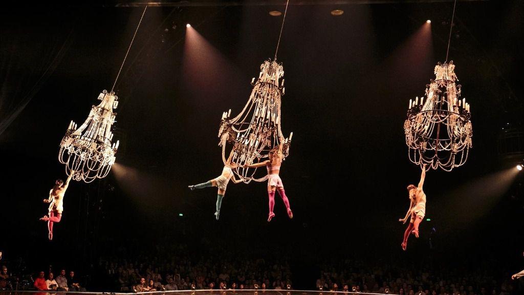 Un momento de la actuación de 'Corteo' realizado por el Circo del Sol