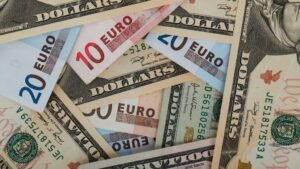 Dólares y euros
