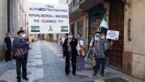 La Plataforma Milana Bonita se concentra en Badajoz para reclamar un tren digno