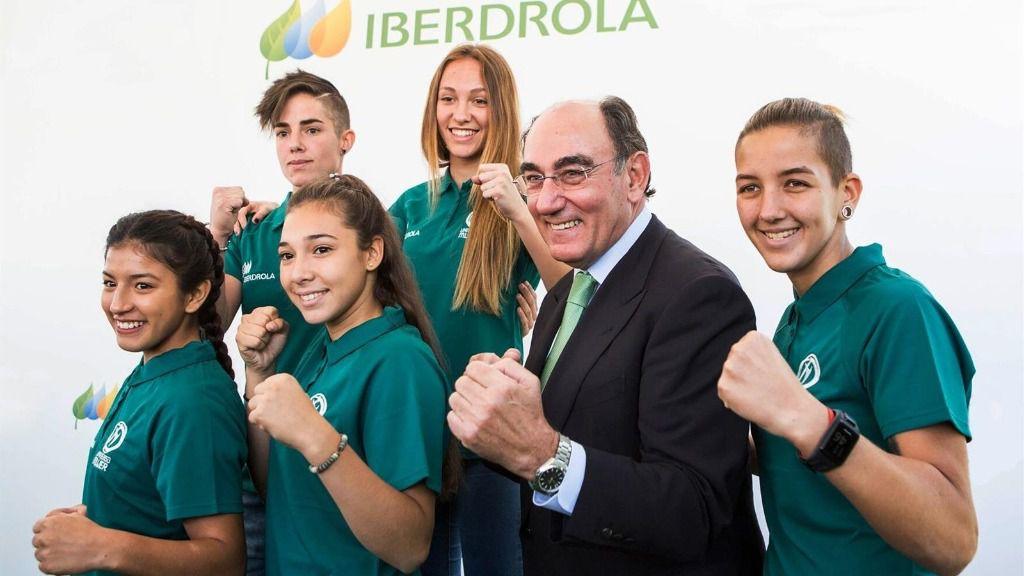 Ignacio Galán, presidente de Iberdrola, junto a deportistas españolas