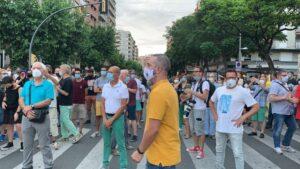 Unas 300 concentrados en Lleida contra el confinamiento en municipios de Lleida