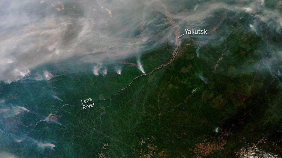 Vista desde el espacio de algunos de los incendios forestales que se desataron en 2019 en SiberiaVista desde el espacio de algunos de los incendios forestales que se desataron en 2019 en Siberia