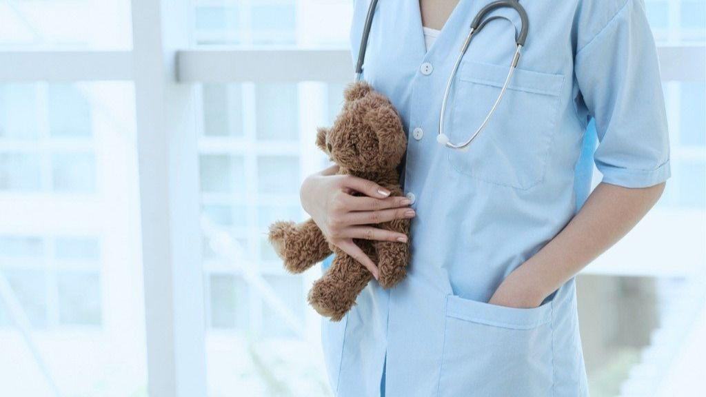 Los pediatras revelan detalles para no perder la cordura durante el confinamiento.
