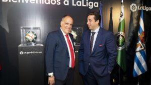 El presidente de LaLiga, Javier Tebas, y el presidente del CF Fuenlabrada, Jonathan Praena