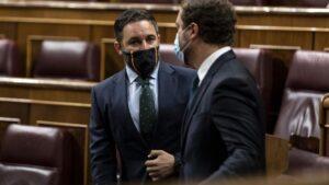"""Abascal denuncia la """"irresponsabilidad"""" del PSOE por llenar su bancada del Congreso, pese a las restricciones sanitarias"""