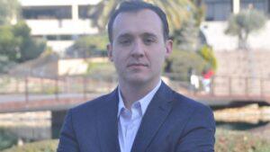 El investigador Helios Pareja, en el campus de la Universidad Europea