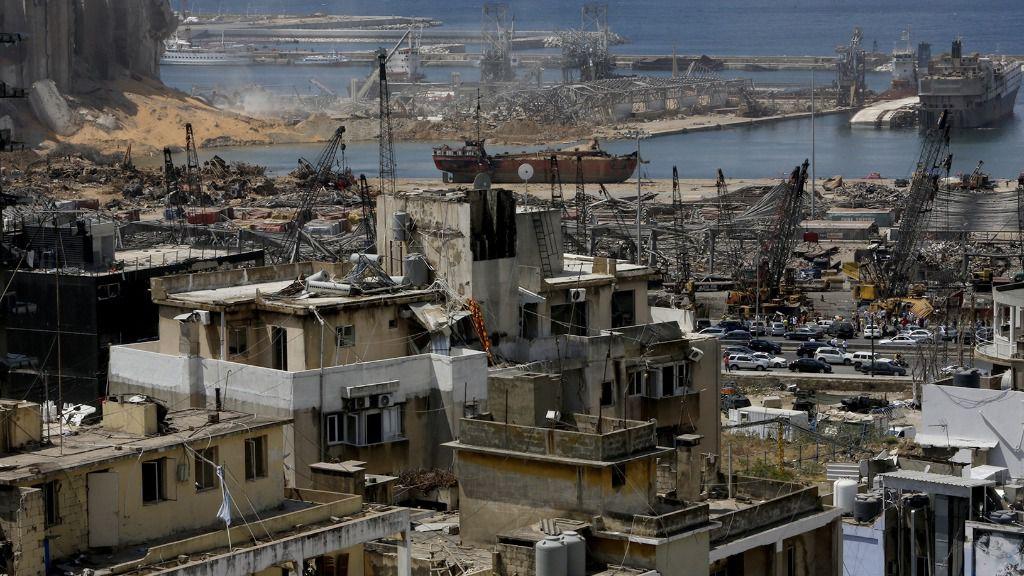 Una vista general de los edificios dañados por las potentes explosiones que sacudieron el puerto de Beirut