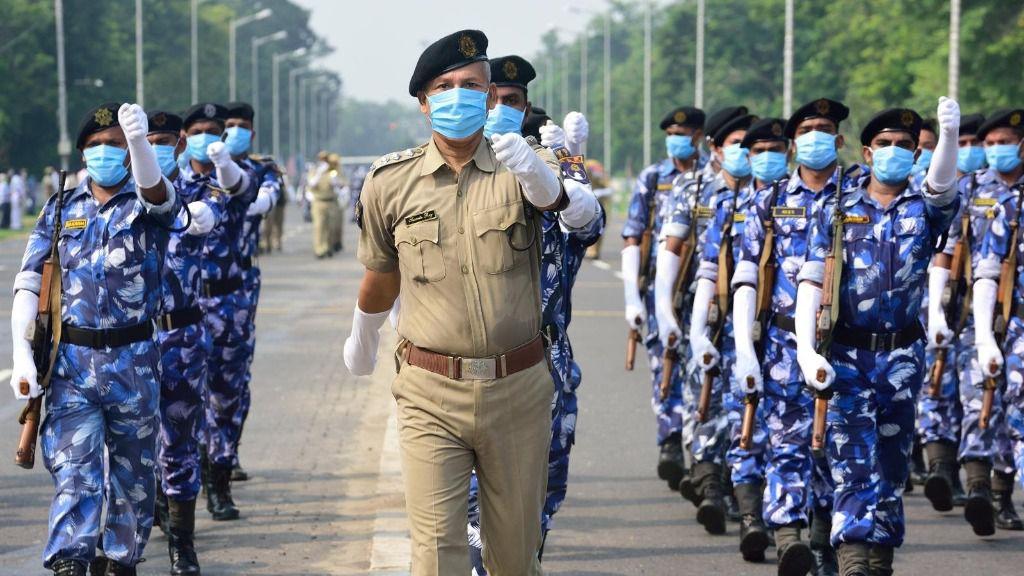 Desfile policial en Calcuta