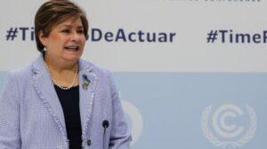 La secretaria ejecutiva de la ONU para el Cambio Climático, Patricia Espinosa (i), y el secretario general de la ONU, Antonio Guterres (d).