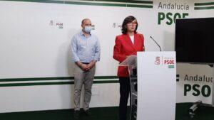 La portavoz adjunta del Grupo Parlamentario Socialista Rosa Aguilar en rueda de prensa en Almería