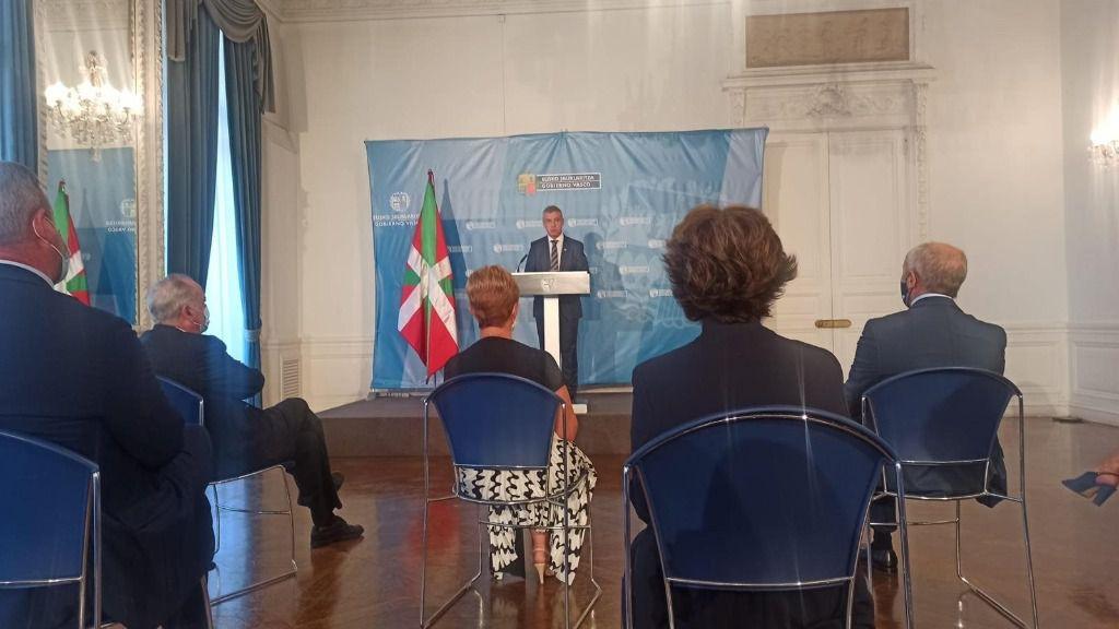 Comparecencia del Lehendakari, Iñigo Urkullu, tras el Consejo de Gobierno celebrado este martes en el Palacio de Miramar de San Sebastián