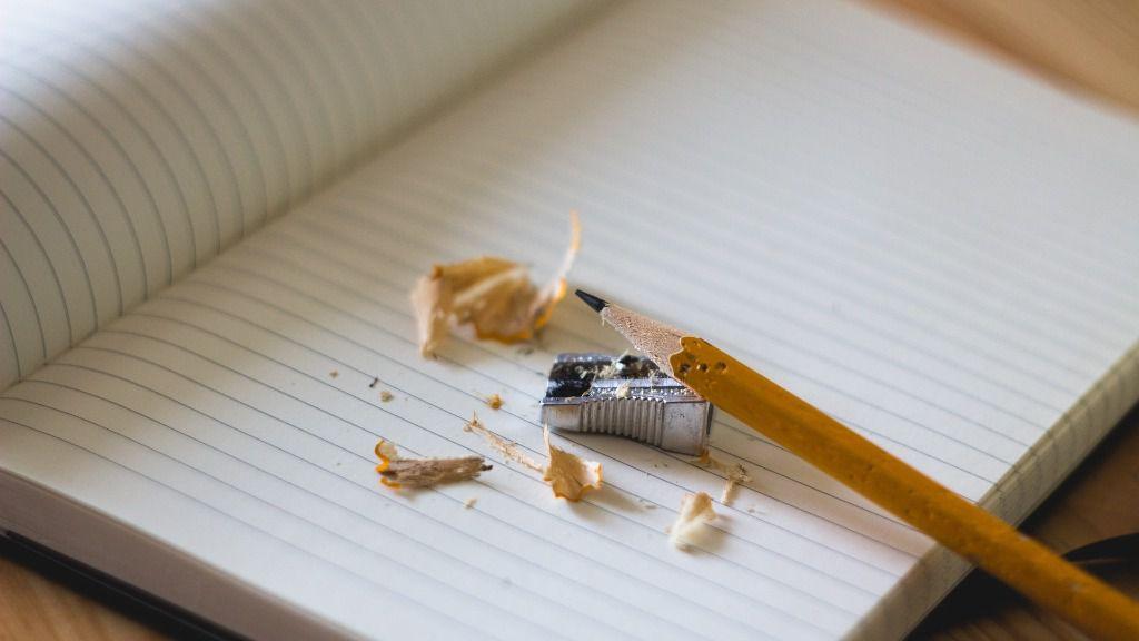 lapiz sacapuntas deberes educacion