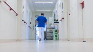 Cuatro de cada cinco hospitales de Alemania tiene problemas para cubrir puestos vacantes, señala una encuesta del Instituto Alemán Hospitalario (DKI)