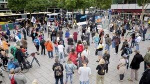 Protesta contra la prohibición de las manifestaciones en Berlín