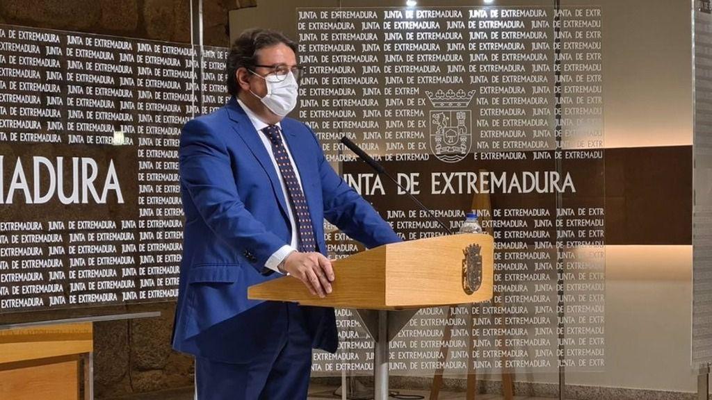 El vicepresidente segundo y consejero de Sanidad de Extremadura, José María Vergeles, en rueda de prensa sobre el Covid-19
