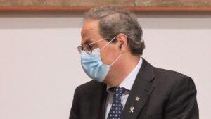 El presidente del Col·legi de Metges de Barcelona, Jaume Padrós, y el presidente de la Generalitat, Quim Torra