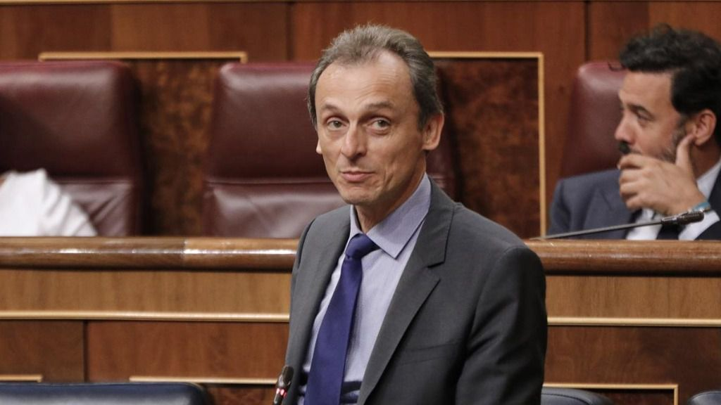 El ministro de Ciencia e Innovación, Pedro Duque, interviene durante la penúltima sesión plenaria en el Congreso de los Diputados antes del paréntesis estival, en Madrid (España)