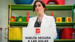 Díaz Ayuso visita el colegio público El Bercial de Getafe y sus adaptaciones ante el covid-19 para el inicio de curso