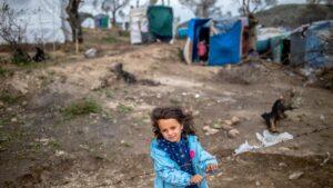 Campamento improvisado junto a Moria, en Lesbos