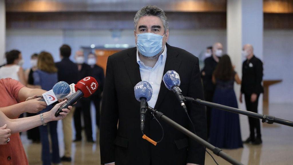 El ministro de Cultura y Deporte, José Manuel Rodríguez Uribes responde a los medios durante la visita al INAEM con motivo de la celebración del Día Europeo de la Música. En Madrid