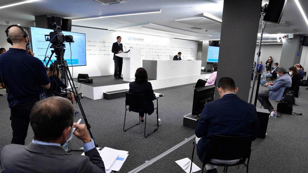 Rueda de prensa presentación de la fusión de CaixaBank y Bankia.José Ignacio Goirigolzarri y Gonzalo Gortázar