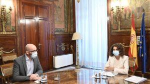 La ministra de Hacienda, María Jesús Montero; y el secretario de Estado de Derechos Sociales, Nacho Álvarez