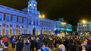 Concentración de protesta en Sol contra el confinamiento de 37 áreas de salud el viernes 18 de septiembre