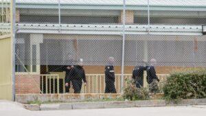 Efectivos de la UME se despliegan en la Prisión de Soto del Real