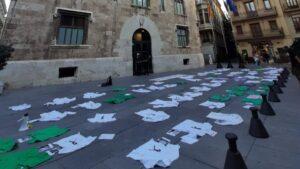Protesta de los MIR frente al Palau de la Generalitat