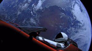 Imagen del vehículo en el espacio
