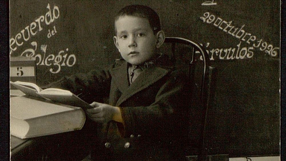 El niño Miguel en su primer Colegio de las Madres Carmelitas de Campo Grande (Valladolid)