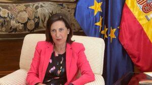 La ministra de Defensa, Margarita Robles, durante la entrevista con Europa Press