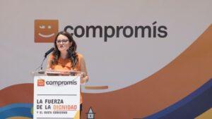 Mónica Oltra en la tribuna de Compromís.