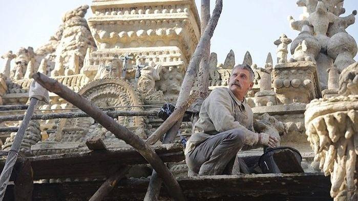 Fotograma de la película 'El palacio ideal'