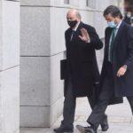 El juez procesa a Fernández Díaz por la 'Kitchen' y archiva la causa contra Cospedal