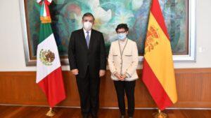 El ministro de Asuntos Exteriores de México, Marcelo Ebrard, y su homóloga española, Arancha González Laya