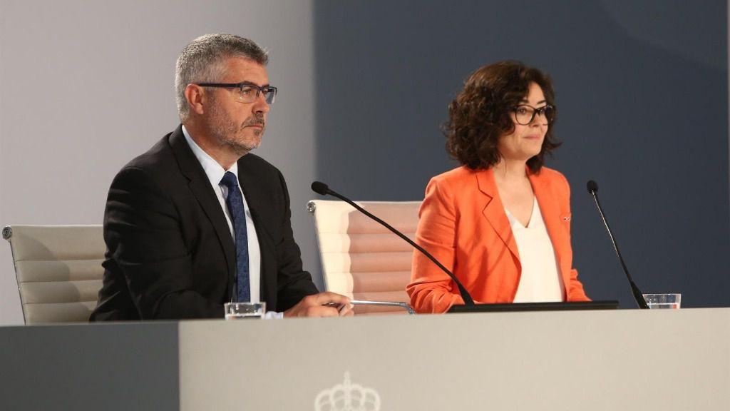 Rueda de prensa del secretario de Estado de Comunicación, Miguel Ángel Oliver, y la subsecretaria del Ministerio del Interior, Isabel Goicoechea