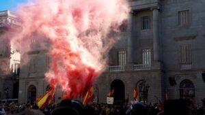 Acto de Vox en la plaza Sant Jaume de Barcelona por el Día de la Constitución