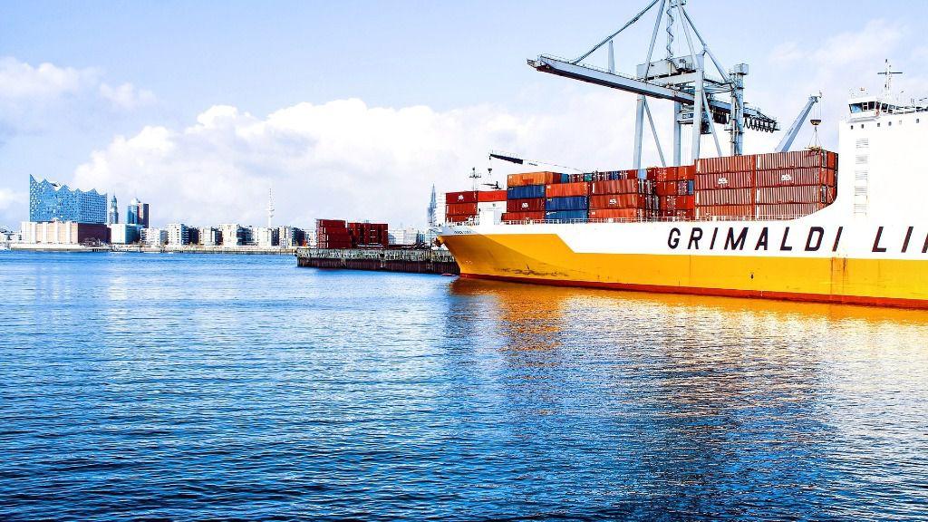 Barco de mercancias exportaciones