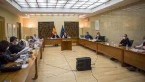 Reunión del Gobierno con agentes sociales para abordar la subida del SMI